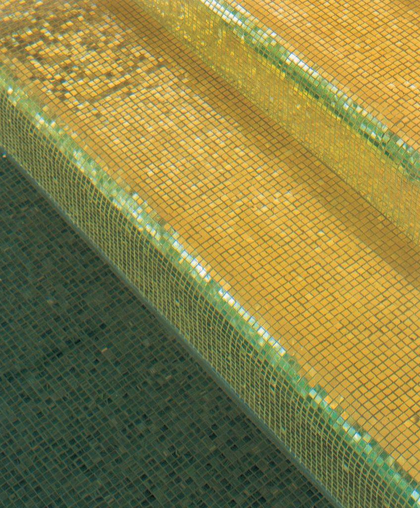 mosaiques pour piscine avec marches